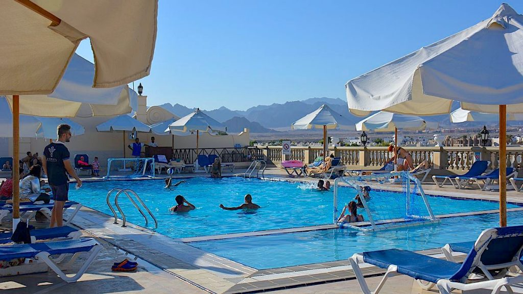 Il Mercato rooftop pool