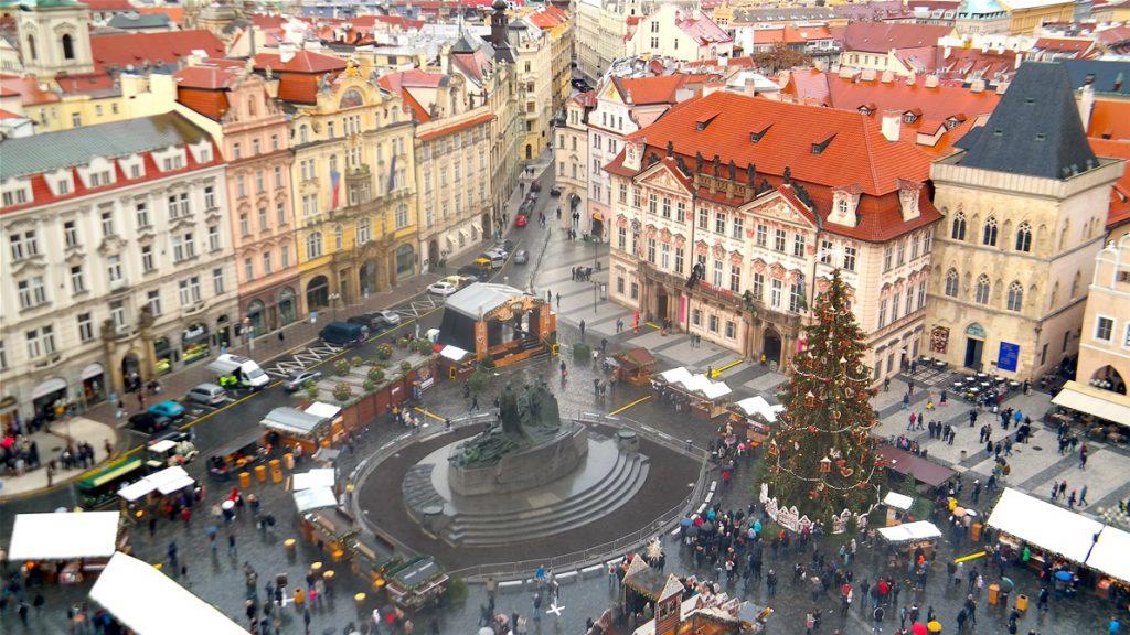 En liten del av julmarknaderna i Prag - sett uppifrån