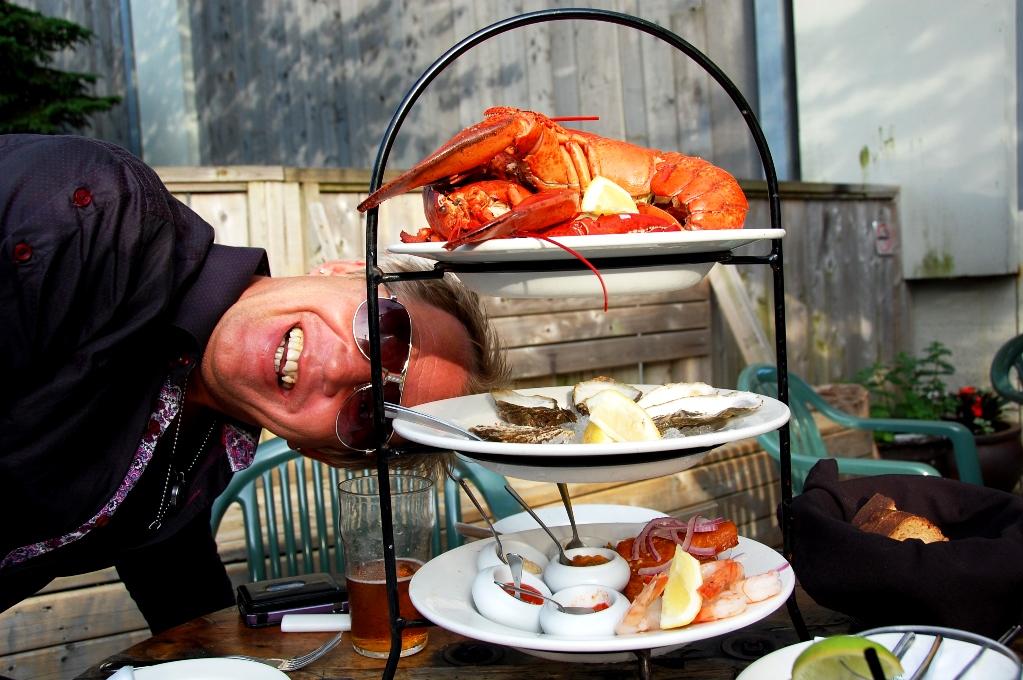 Peter firar sin födelsedag med skaldjursplatå i Halifax