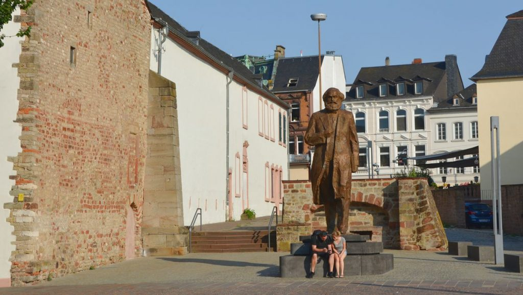 Karl Marx staty