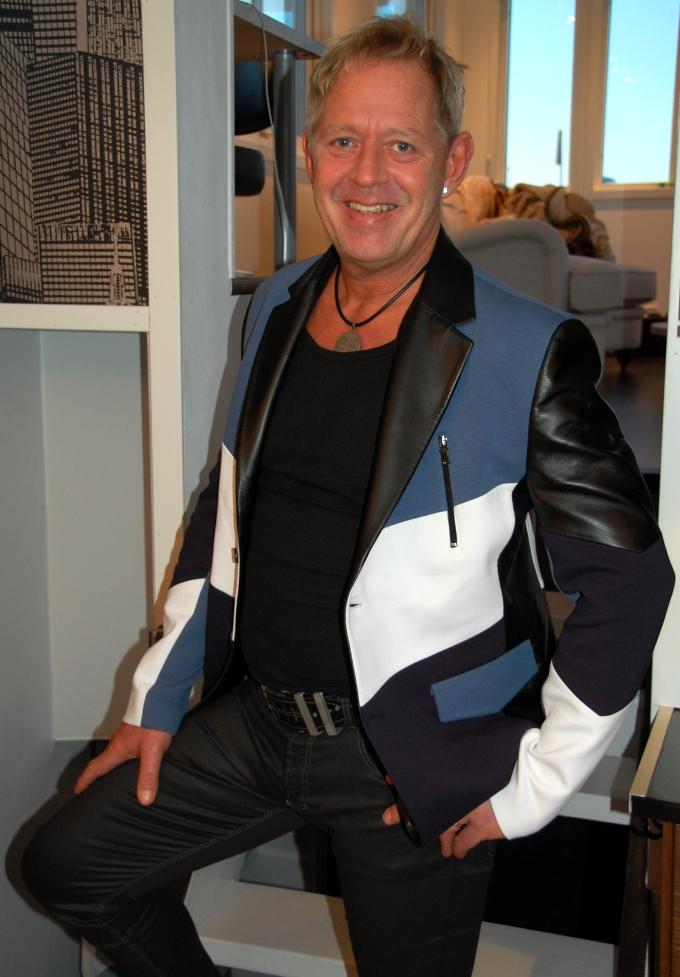 Peter i sin nya kavaj från Taracci