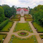 Tjusigt palats i Polen – och en hemtrevlig camping