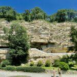 Aladzha-klostret i Bulgarien – grottklostret i klippan