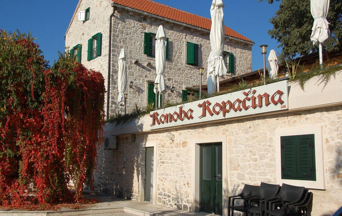 Bra restaurang på Brac och väldigt gott lamm på Kopacina