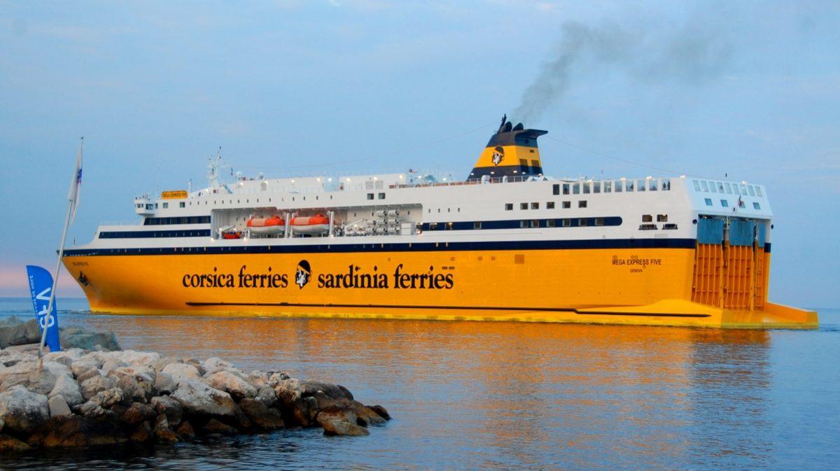 Korsika Sardinien färja
