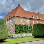 Krapperups slott i Skåne – med slottspark och kaffestuga