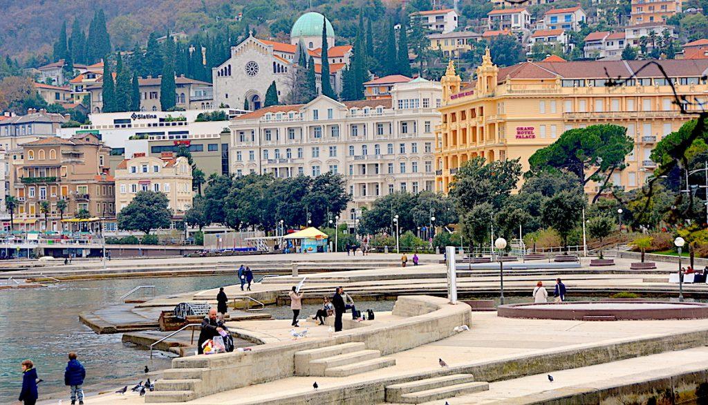 slatinastranden i Opatija