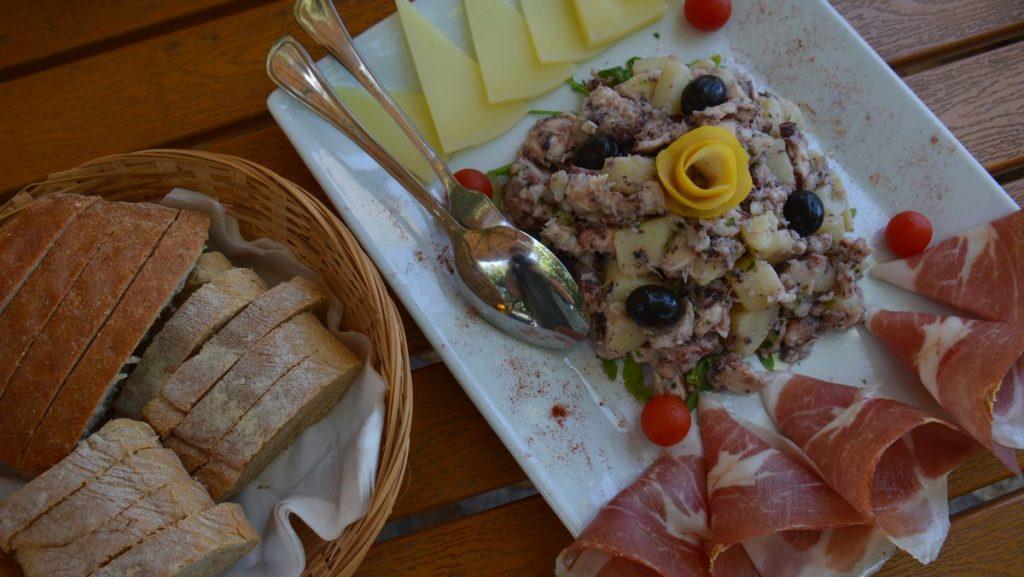 Kroatisk ost och skinka