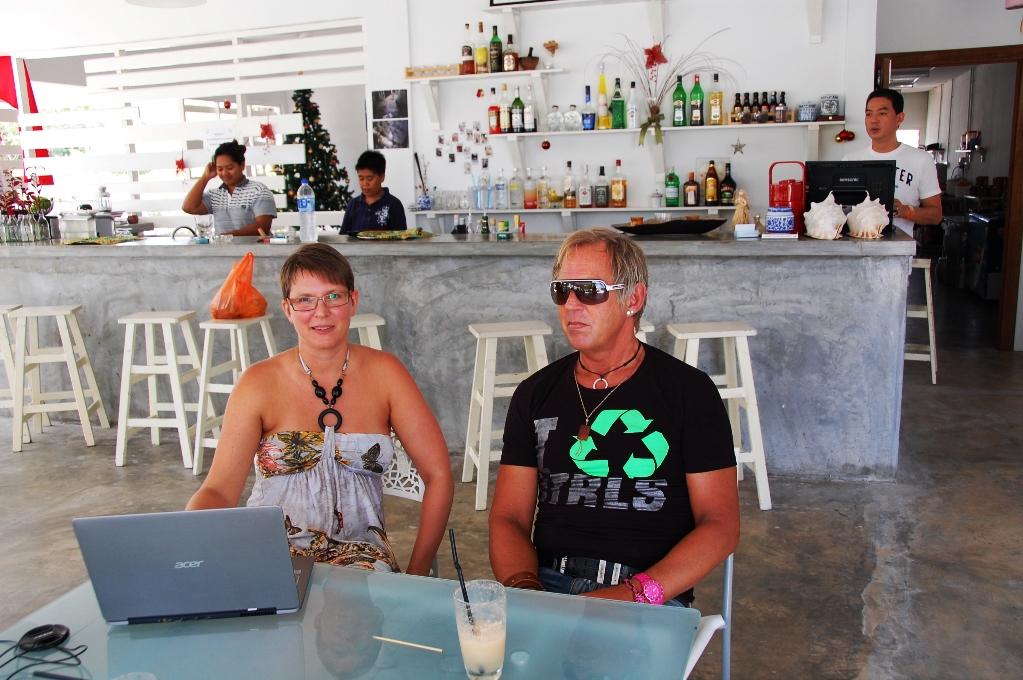 Helena och Peter på mysiga hotellet i Langkawi