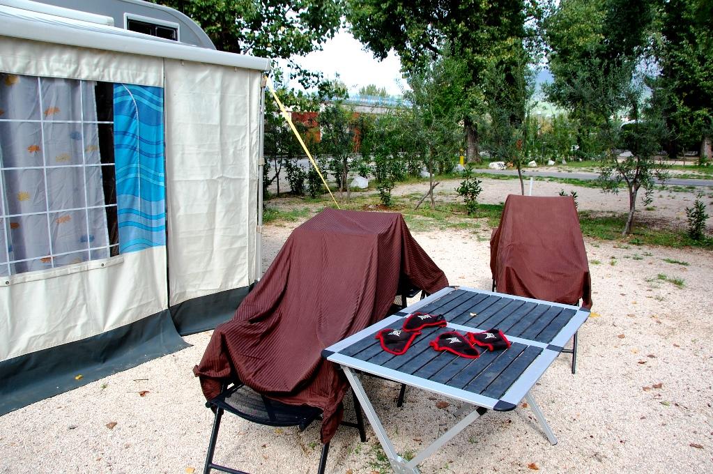 Lakan på tork - solen funkar bättre än campingens torktumlare!