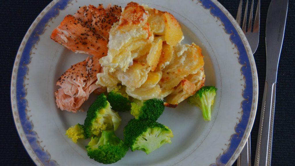 Recept på fisk - Lax med potatisgratäng