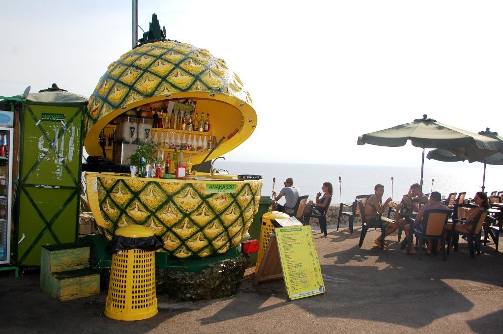 "Ananasbaren vid Italiens ""ände""..."