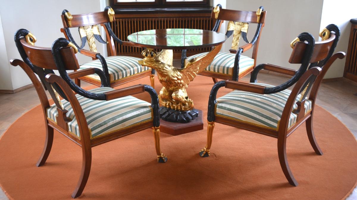 Djurformade möbler