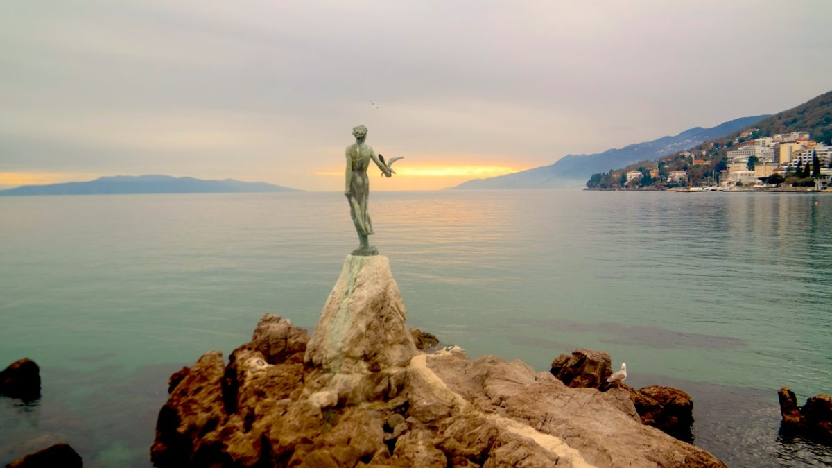 The Maiden with the Seagull i Opatija