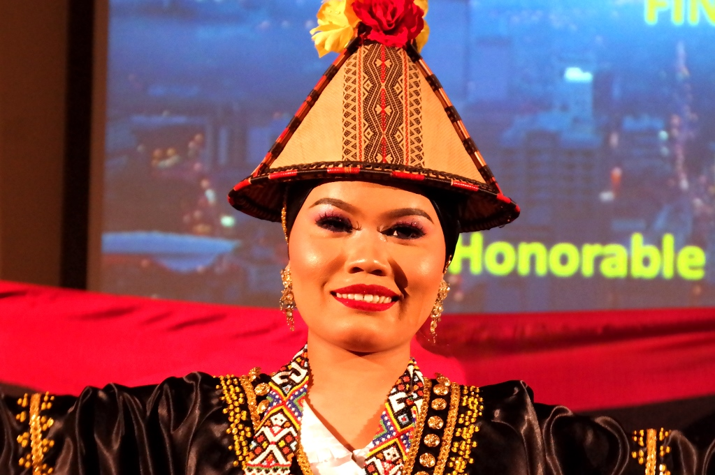 Malaysisk afton: Malaysisk dansare på Finlandshuset i Stockholm