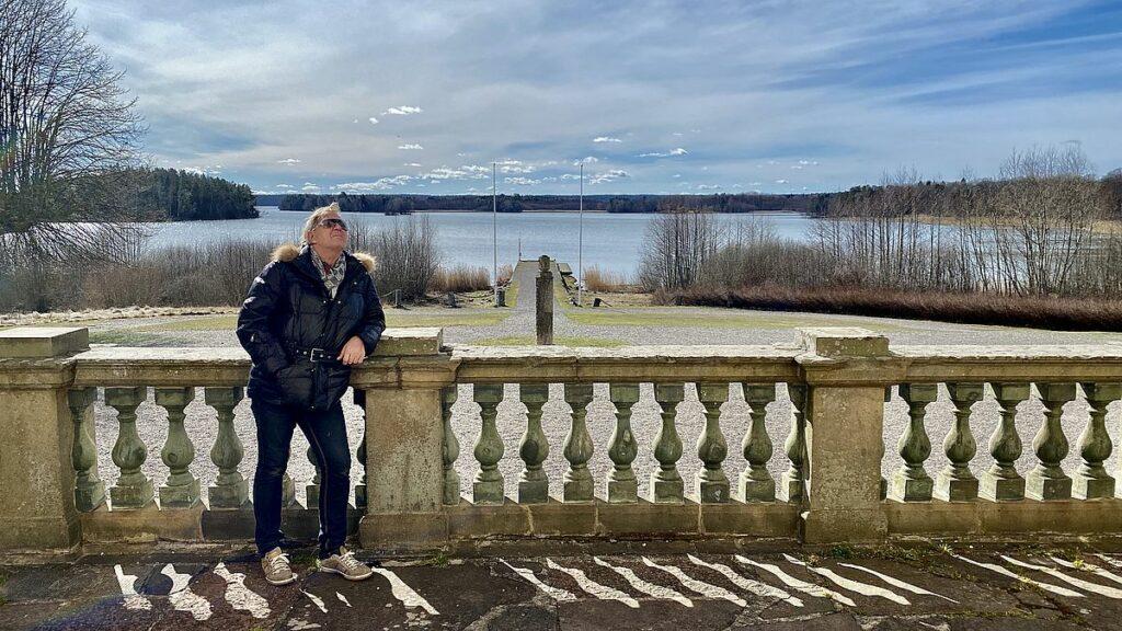 Peter vid Mälsåker slott i Strängnäs kommun