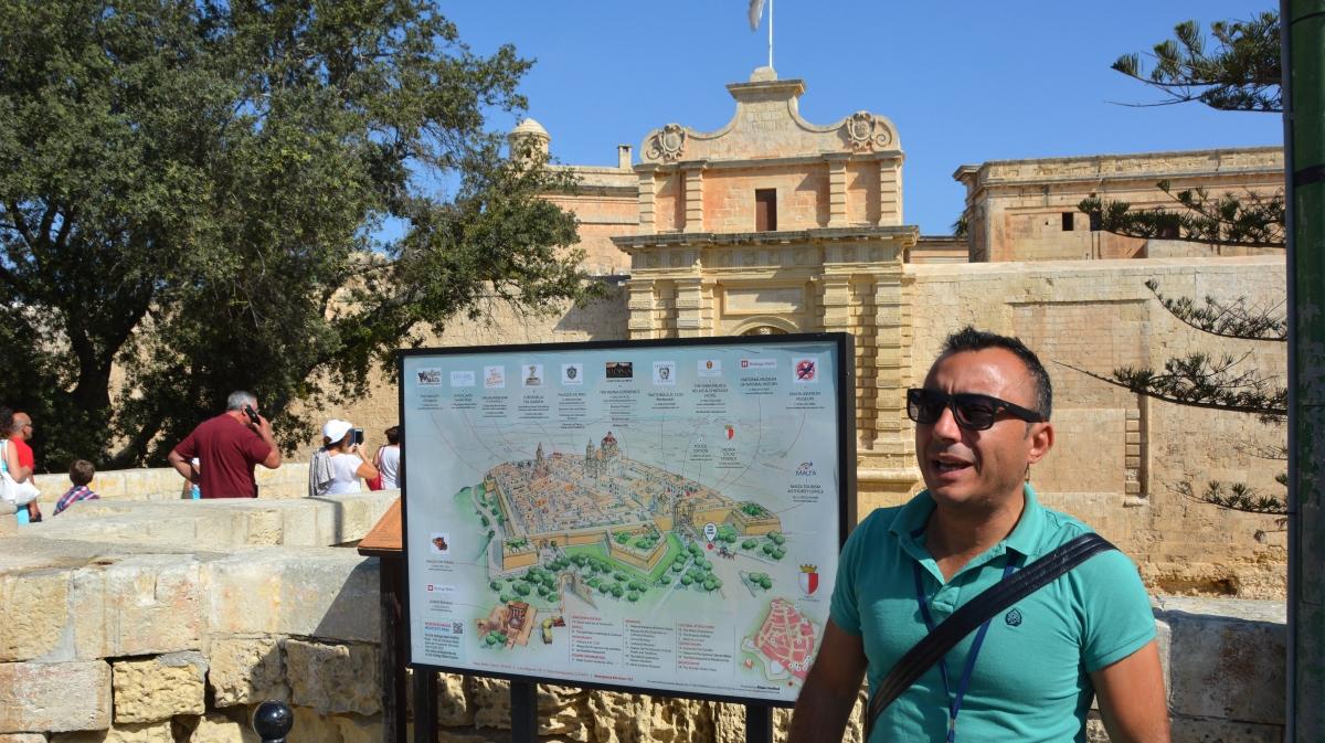 Vår guide Clive Cortis från Malta Private Guide