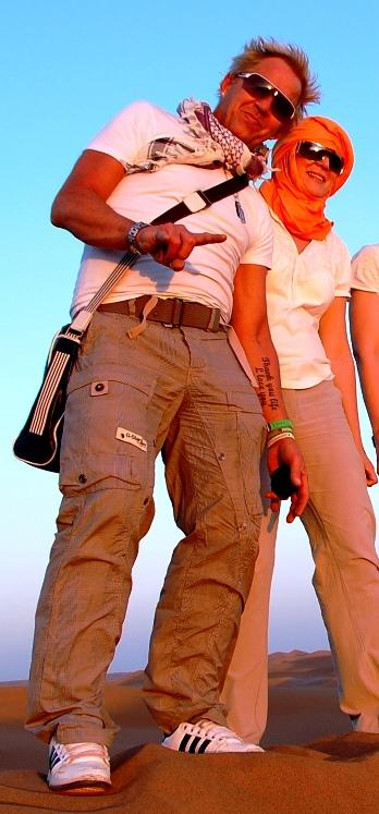 Peter och Helena i Sahara i Marocko 2014