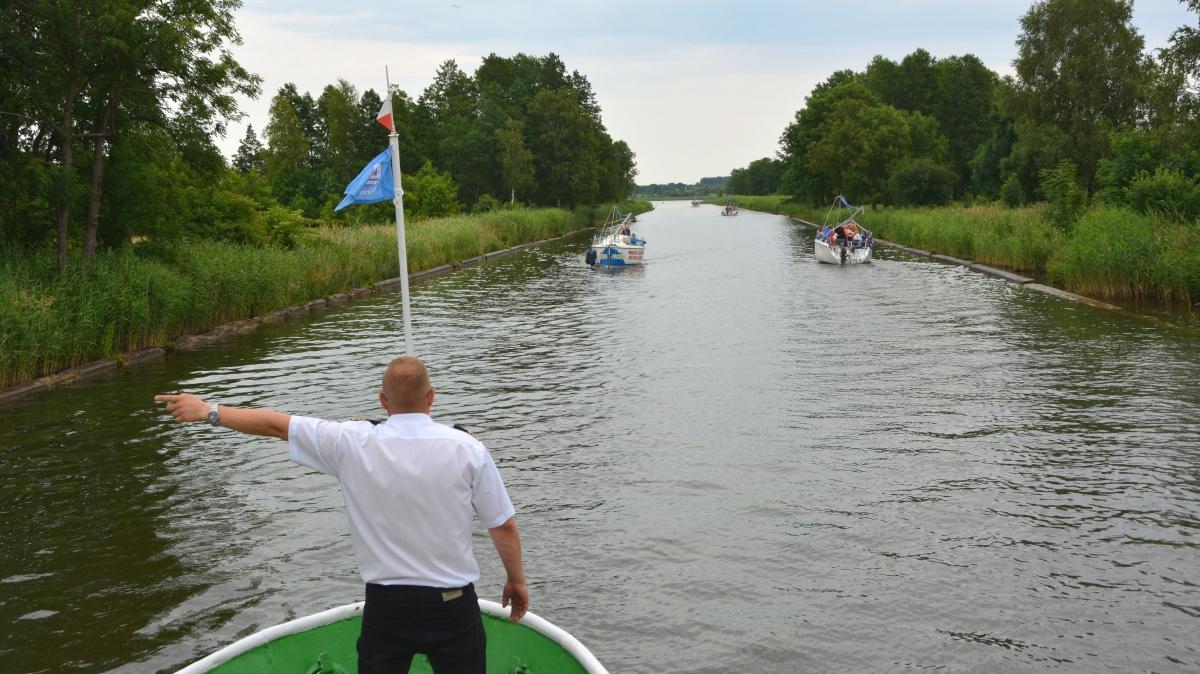 Masuriska sjöarna i polen - kanalbåttur från mikolajki
