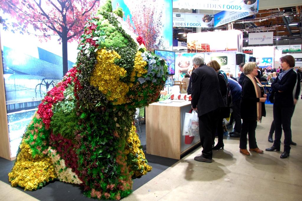 Resemässan Matka - blomsterhunden fanns i Bilbaos monter