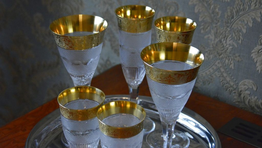 Moser glas på hotell i Karlovy Vary
