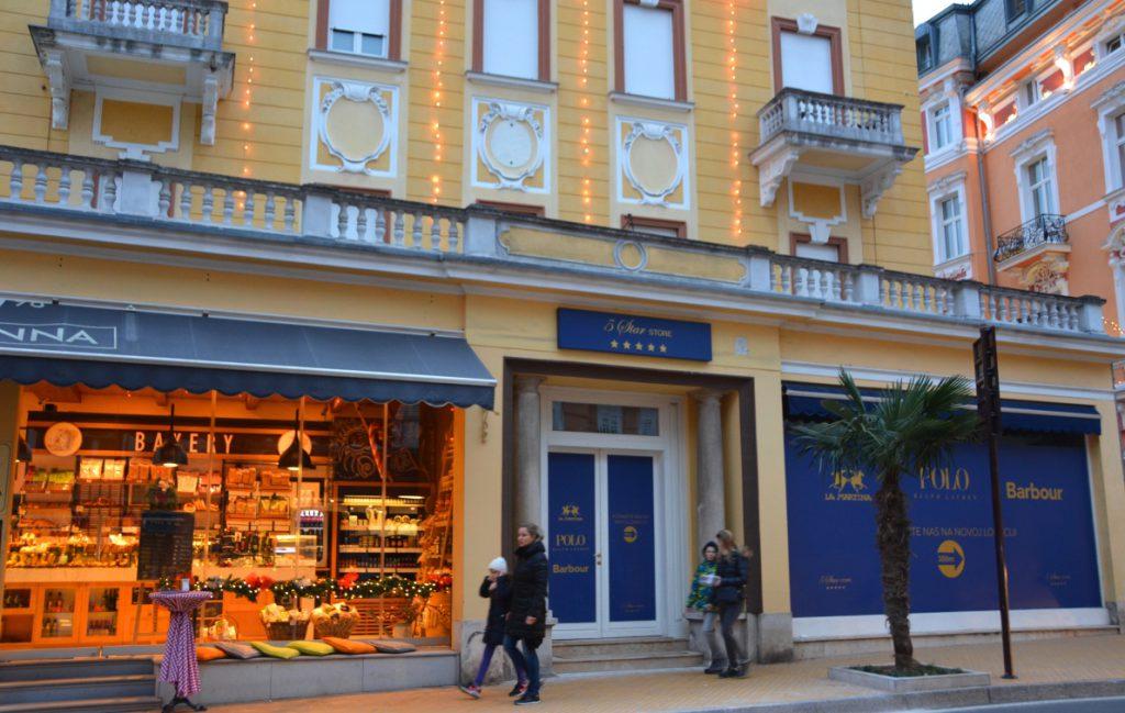 På den stora gatan genom Opatija