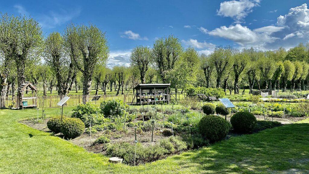 Österbrybruk örtagård