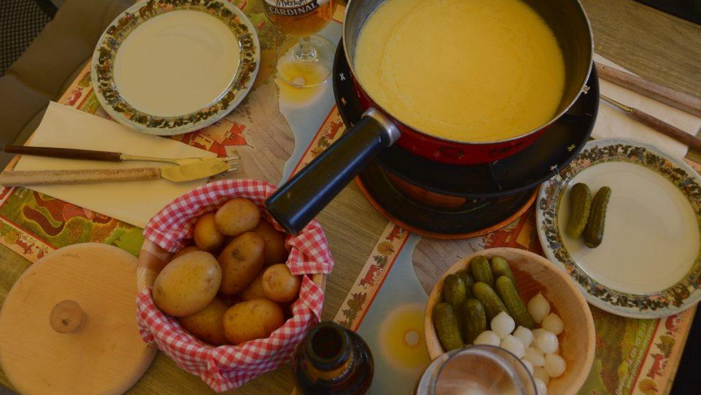 Schweizisk ost - ostfondue i Gruyère