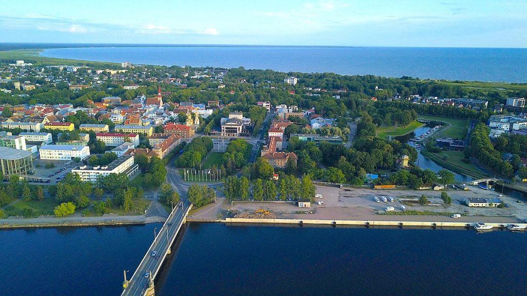 Med husbil i Pärnu i Estland