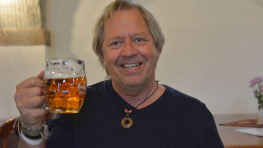 Peter med öl