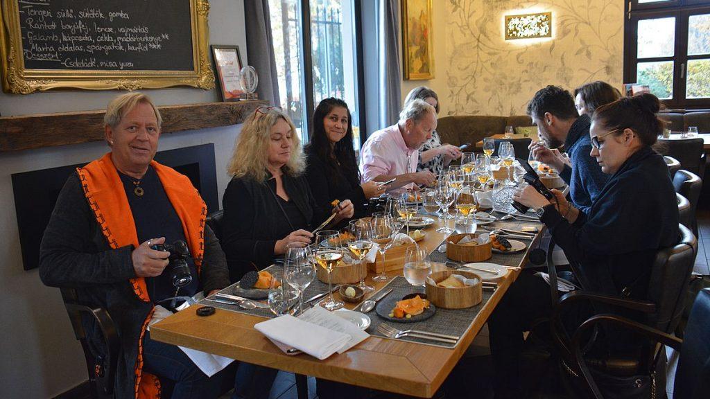 Restauranger i Budapest och i Tata
