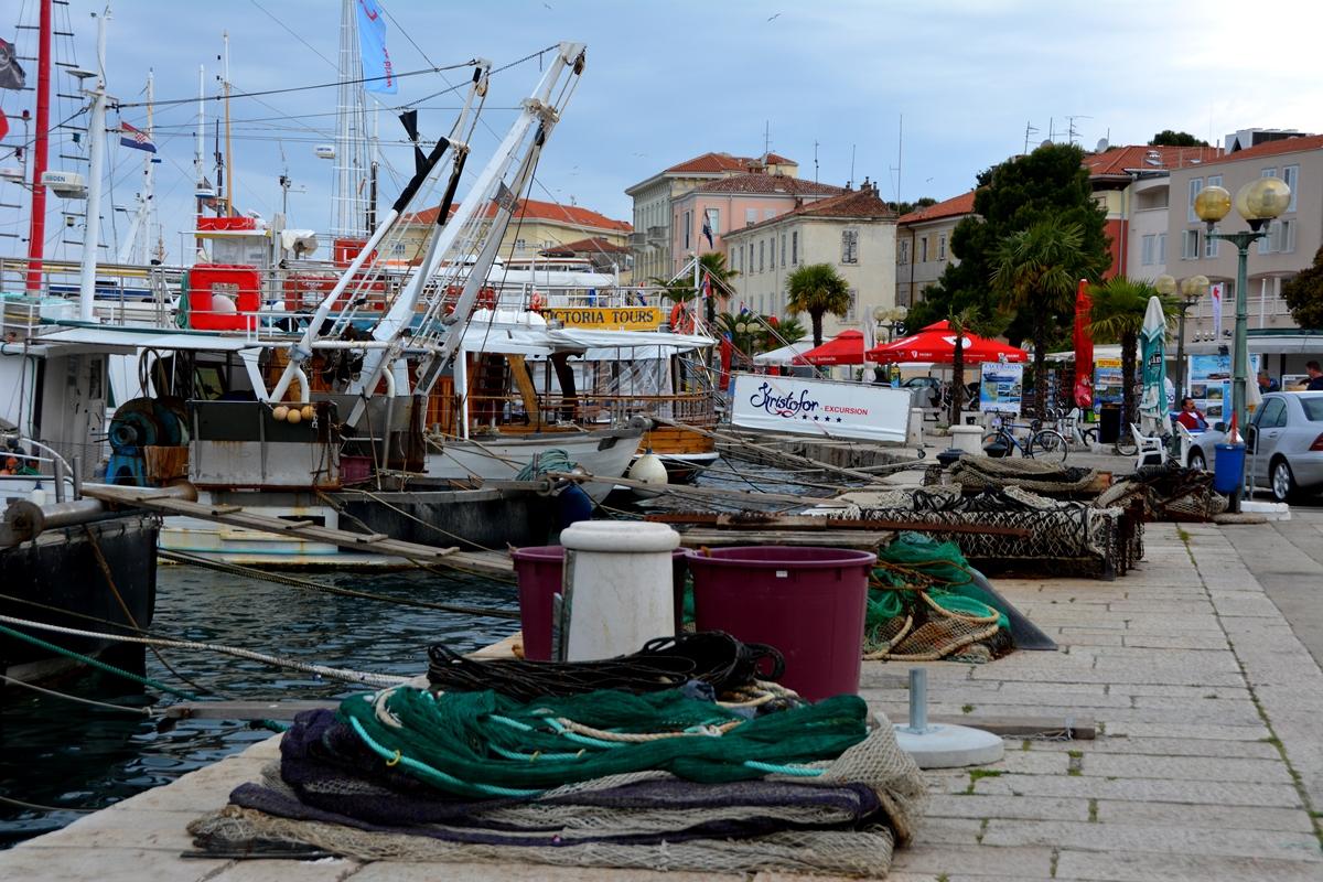 I turistorten Poreč finns en livlig hamn