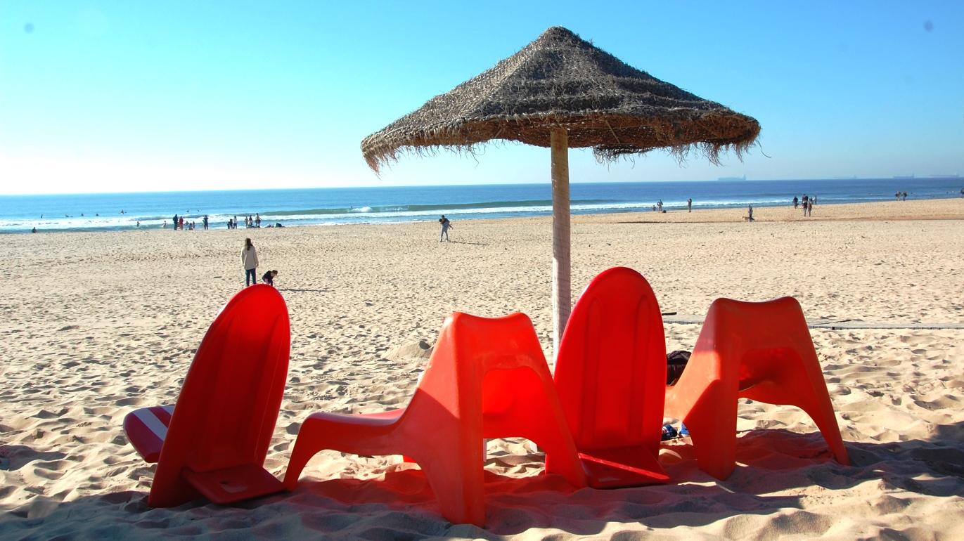 Fin strand i Carcavelos, Portugal