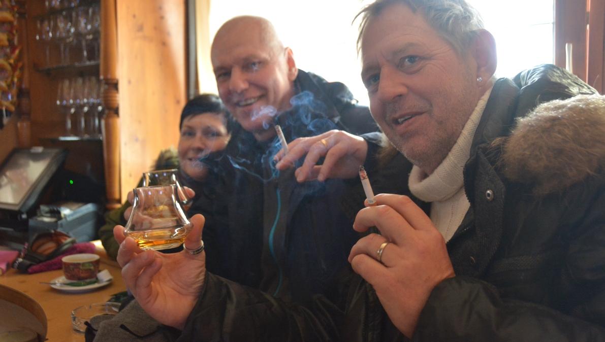 Röka på baren