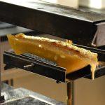 Raclette i Schweiz – äta ost till middag?
