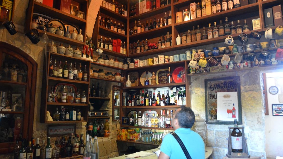 I baren på Rogantino's restaurant