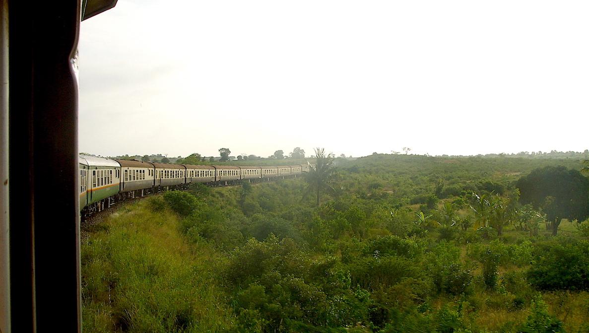 Tåg genom Kenya