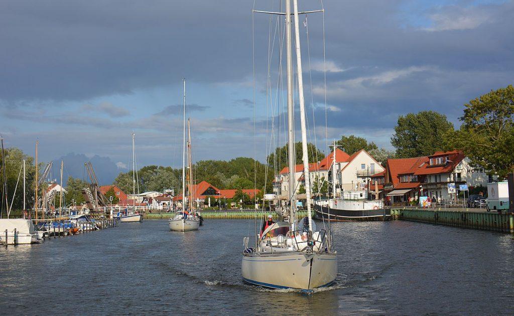 Segla i Tyskland genom Greifswald