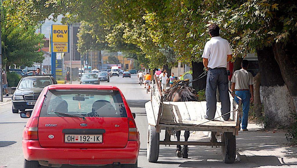 Häst och vagn i Tirana