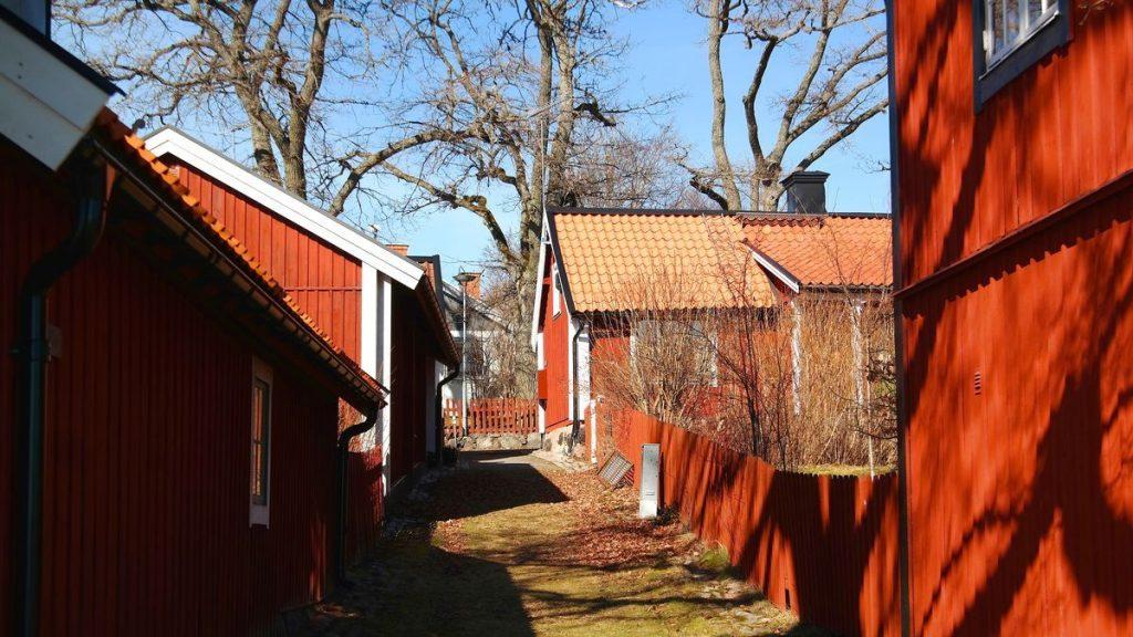 Röda hus i Sigtuna, Sveriges äldsta stad
