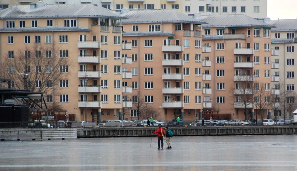 Skridskoåkare på Ulvsundasjön