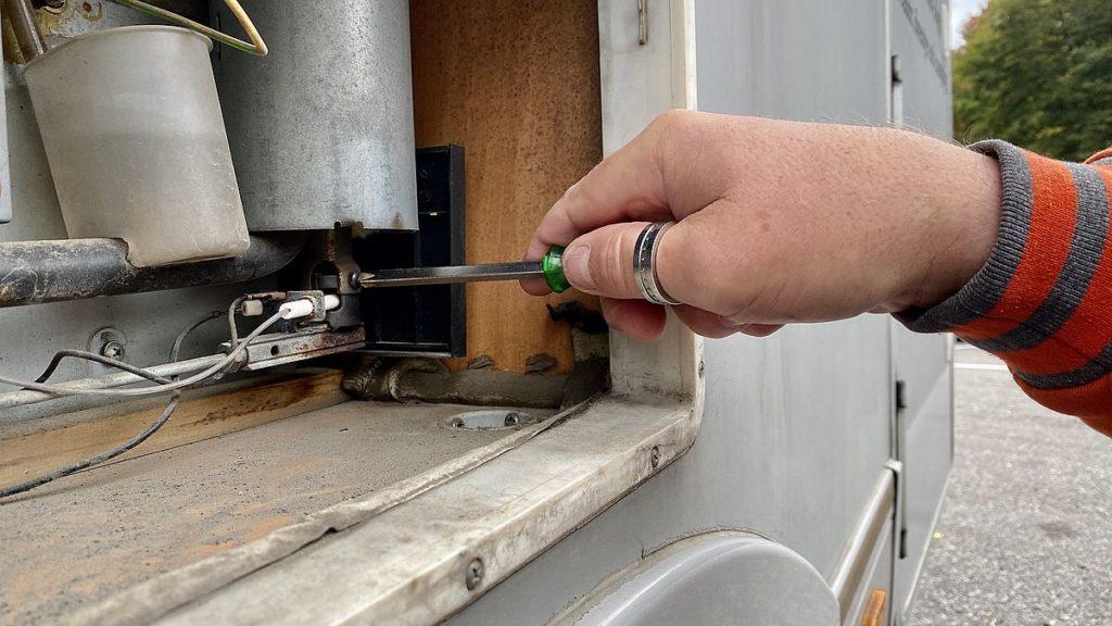 Brännaren husbilens kylskåp