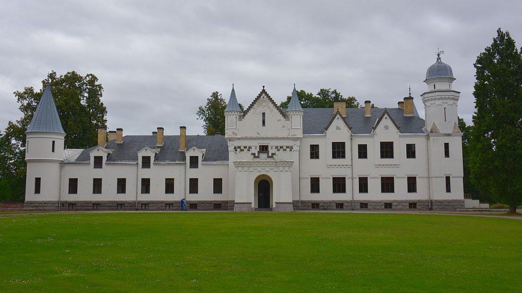 Slottet Alatskivi vid sjön Peipus i Estland