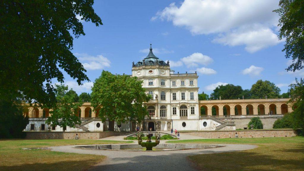 Slottet Ploskovice utanför Litomerice