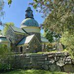 Solna kyrka – och vackra Norra begravningsplatsen