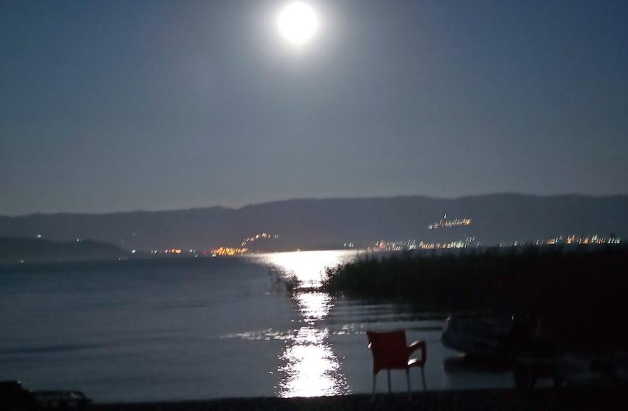 Månen över Ohridsjön igår kväll