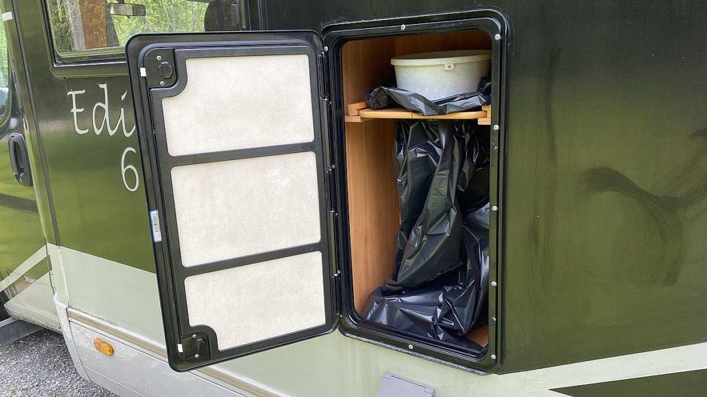 Smarta lösningar i husbilen - soptunna