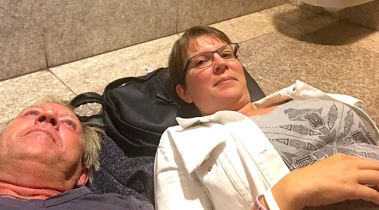 Sova på flygplats