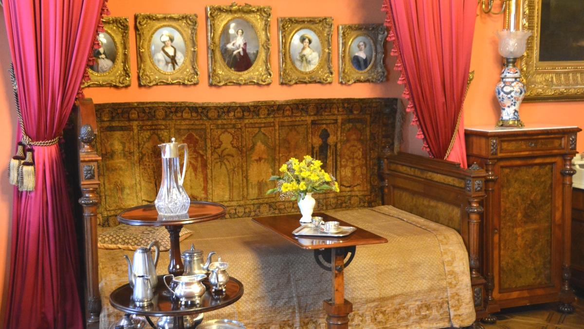 Sovrum i Kozlowka palats i Polen