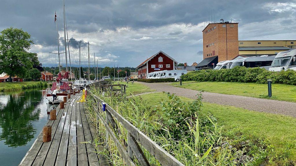 Göta kanal med husbil - Borensberg